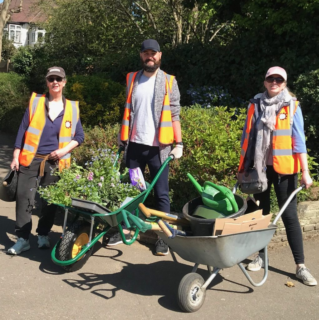 Colliers-Wood-Parks-and-Green-Spaces-Volunteers-High-Street-Nursery-Planter-April-2021