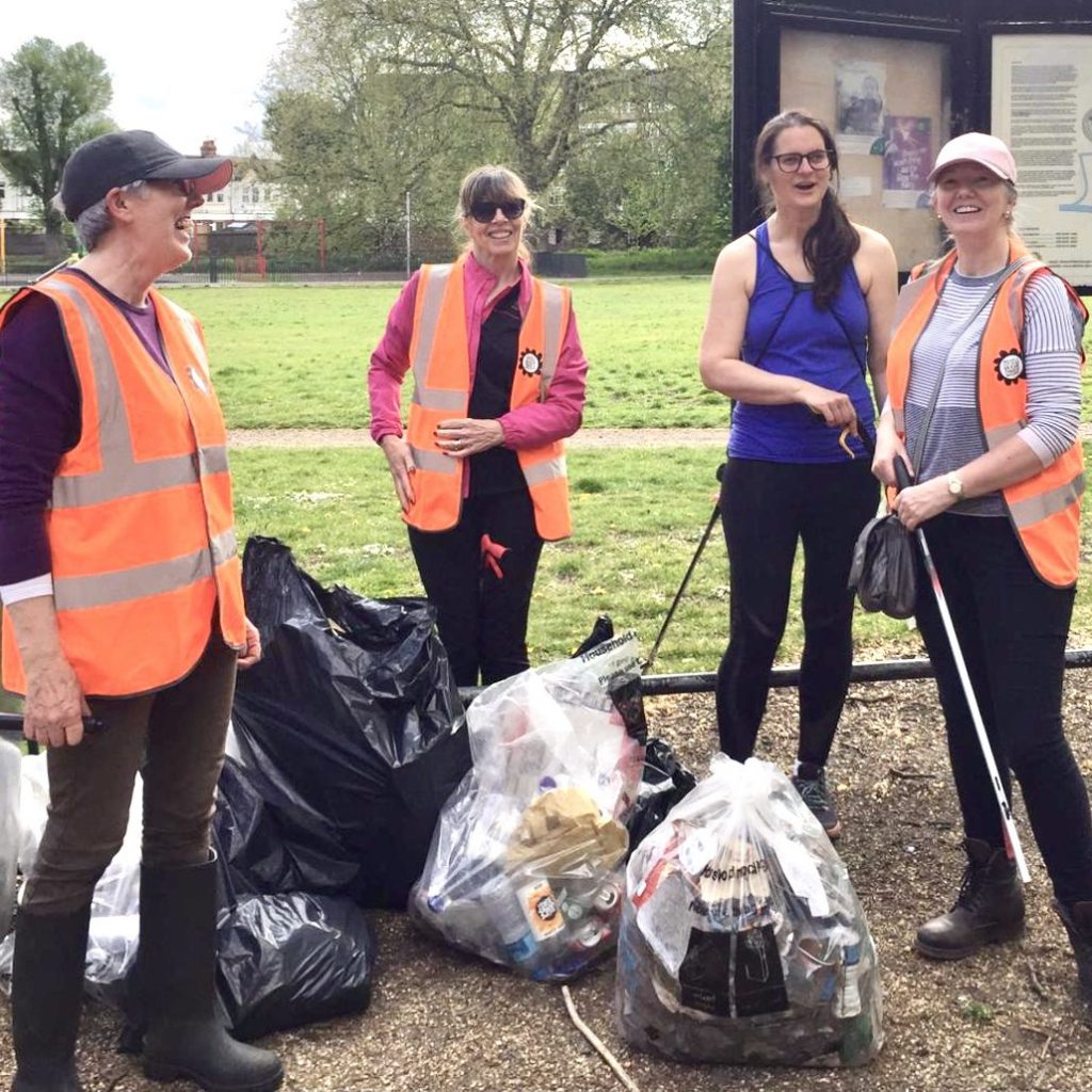 Colliers-Wood-Parks-and-Green-Spaces-Volunteers-Litter-picking