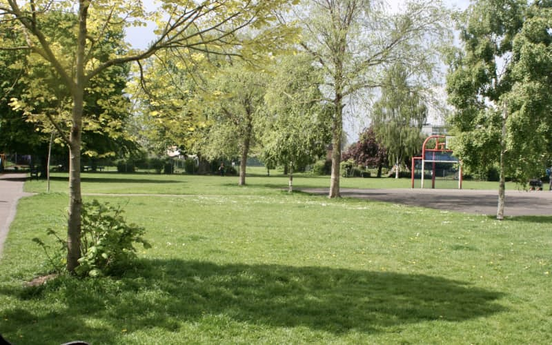 Colliers-Wood-Parks-and-Green-Spaces-Volunteers-The-Rec